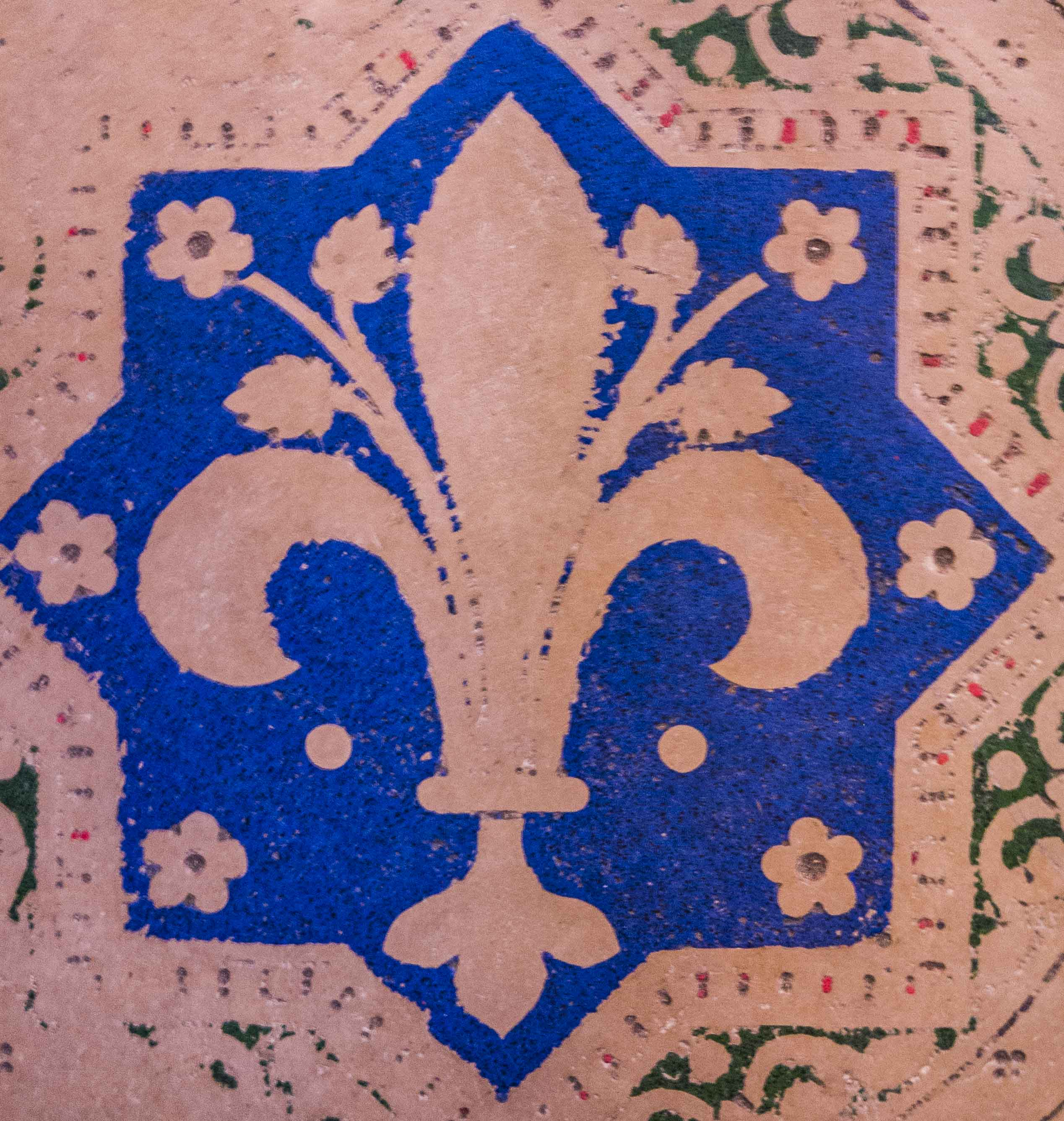 Sainte-Chapelle-floor-decoration